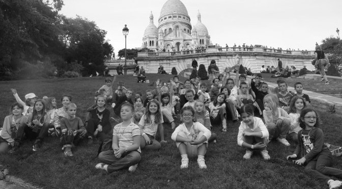 Ecole Robert Doisneau Etrelles Photo groupe au Sacre Coeur le 2 octobre 2014 à Paris
